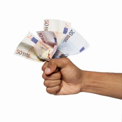 Snel en zonder documenten geld lenen